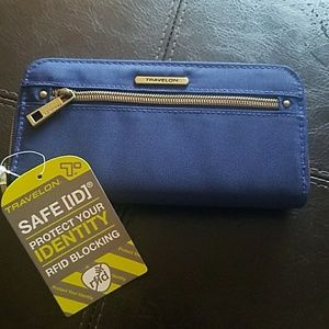Travel Wallet w/ID Protection